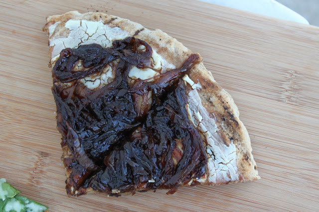 goat cheese and balsamic caramelized onion pizza