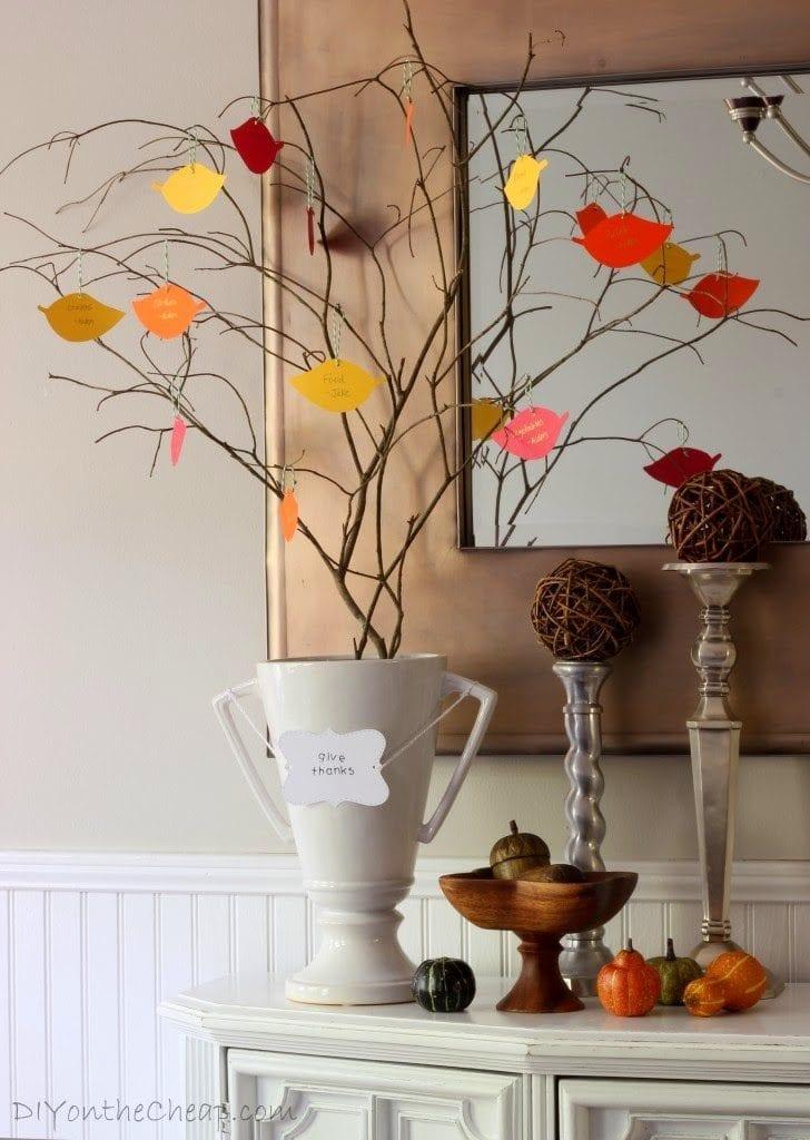 http://diyonthecheap.com/our-thanksgiving-tree/
